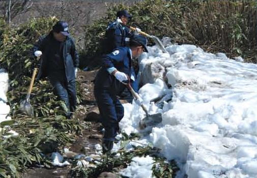 歩道の除雪[知床支部]