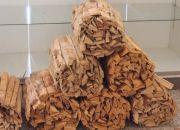 炊事用の薪(センターハウスにて販売) Wood(for cooking)
